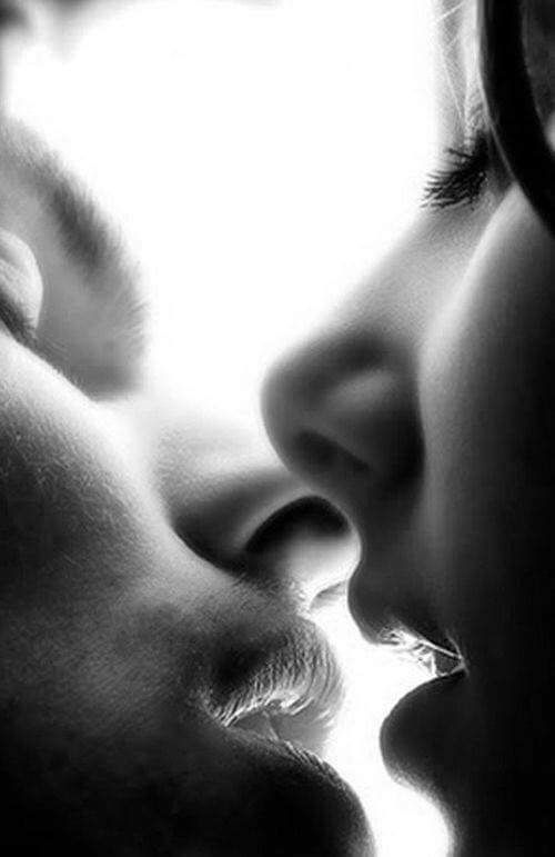 Картинки анимация поцелуй в губы