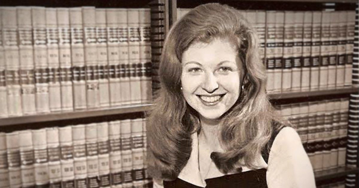 Sarah Weddington Was 27 When She Argued Roe V Wade The Youngest Person Ever To Win In The Supreme Court The Landmar Women Stories Parenthood Weddington