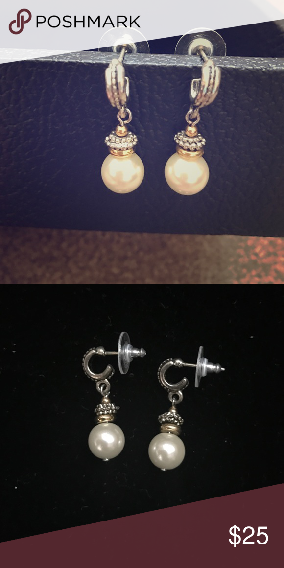 Uming Premier Design However I Can T Find The Logo These Are A Stunning Gorgeous Pair Gold And Metal Detail Designs Jewelry Earrings