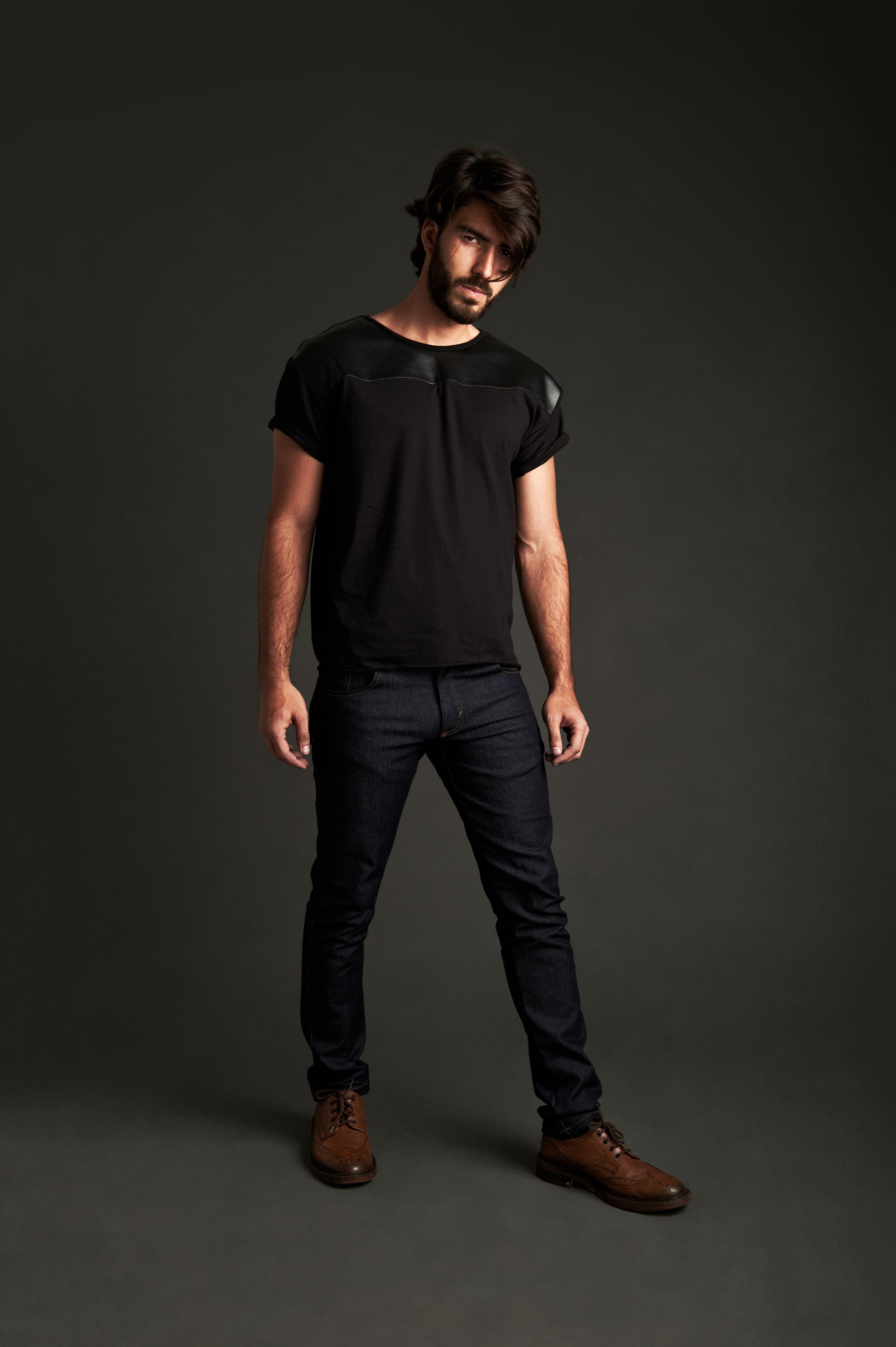Black & Black T-Shirt   Skinny Jean