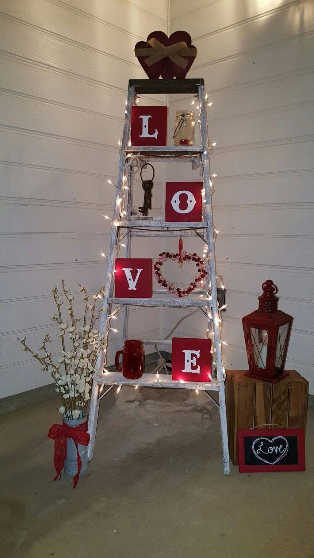 13 Stunning Valentines Day Front Porch Decor Ideas - PIMPHOMEE