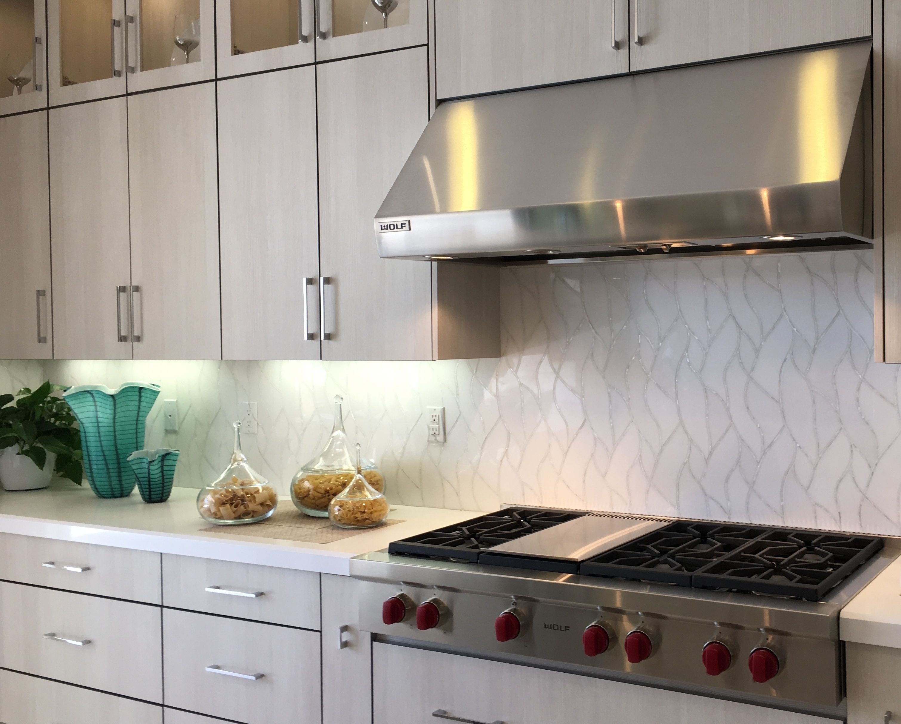 Terra Bella Backsplash Vines In White