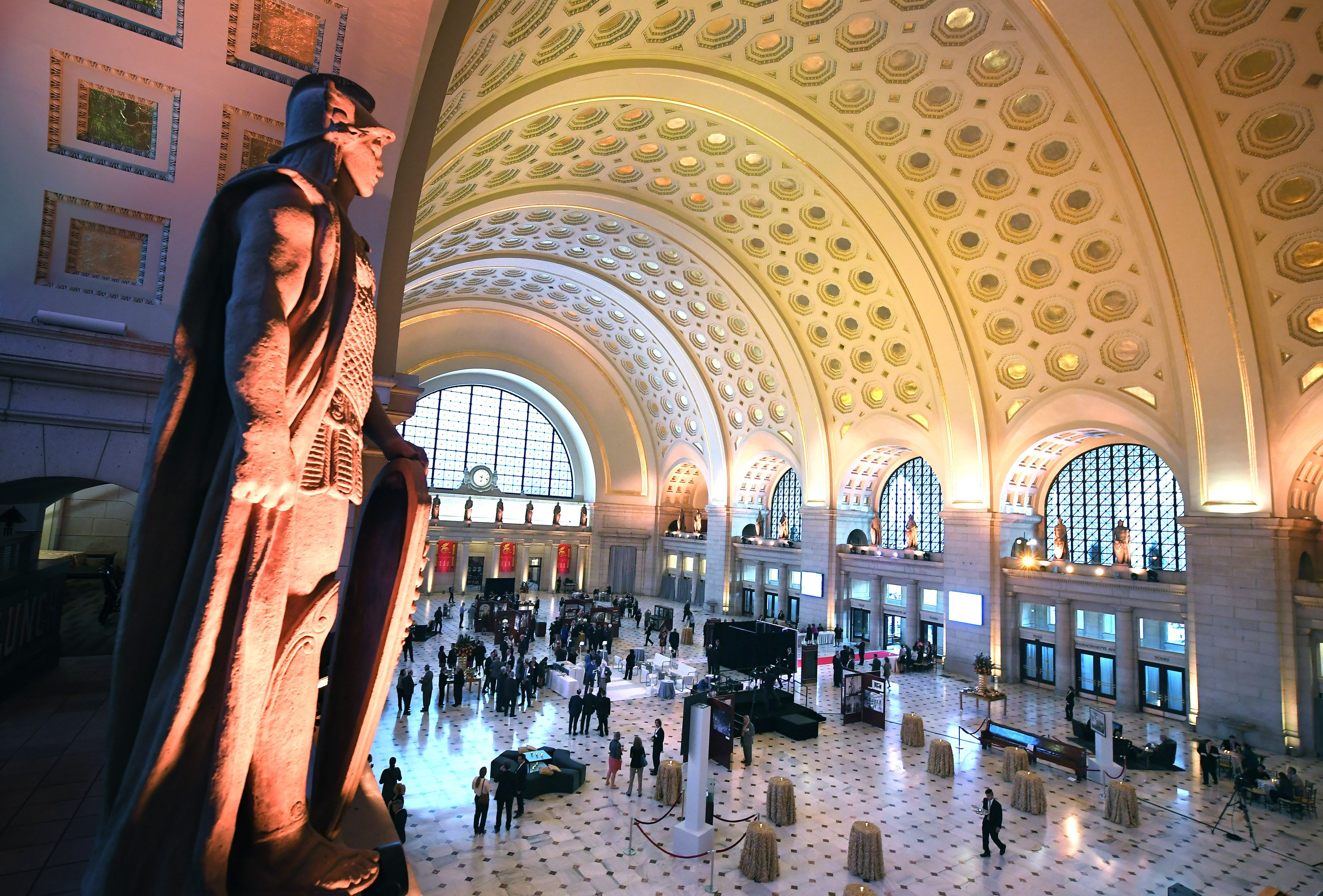 Union Station S Main Hall Has Been Restored To Its Century Old Splendor Union Station Living In Washington Dc Restoration