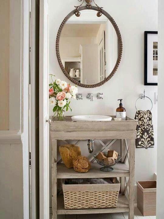 Small Vintage Bathroom Decorating