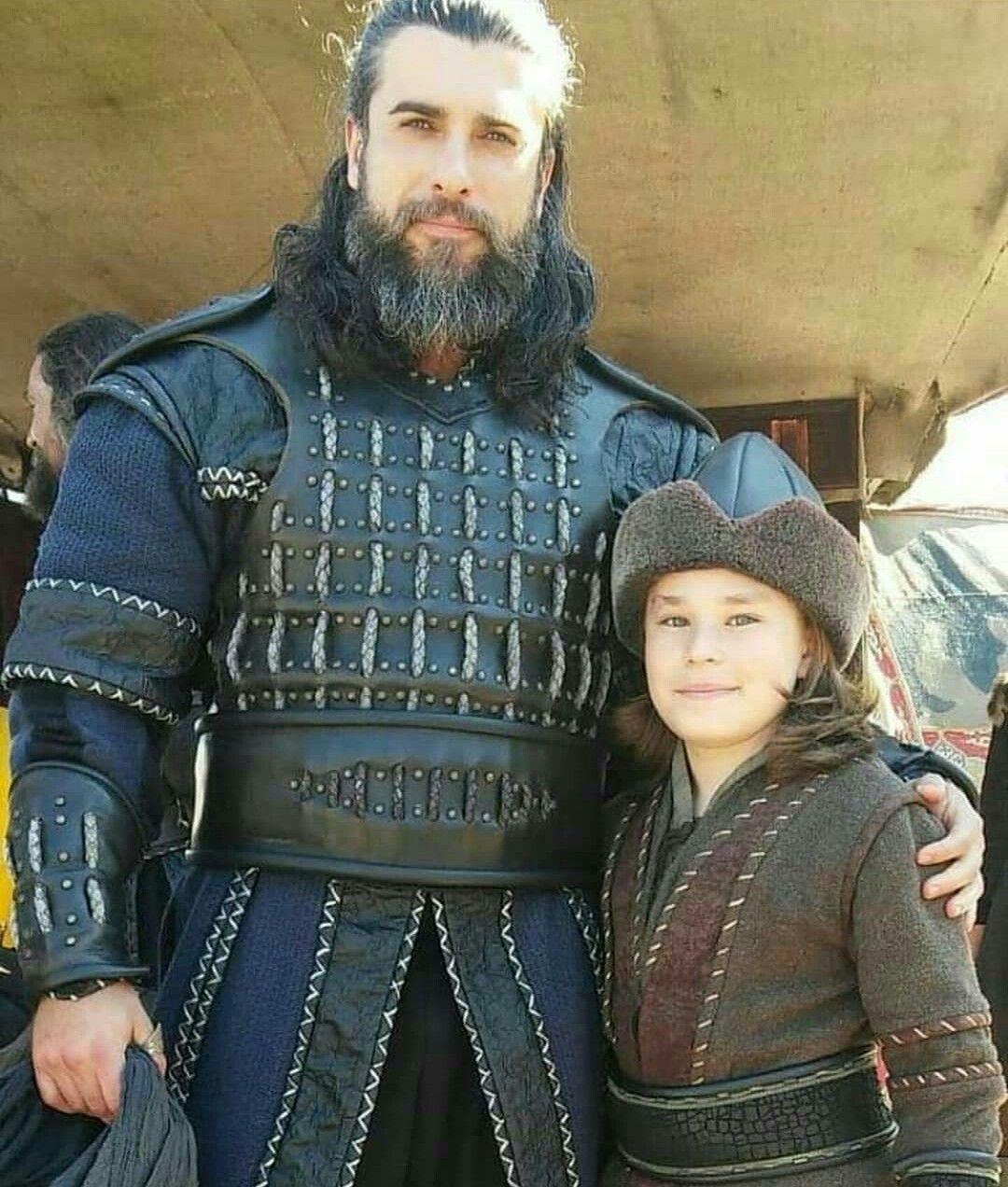 Pin By Mirsada Mustafic On Ertugrul Turkish Actors Latest Pics Actors