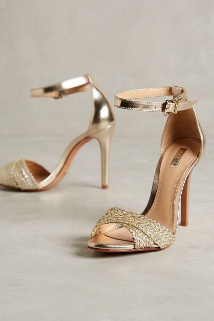 Sandálias douradas da Schutz amamos! <3 | Sandálias femininas