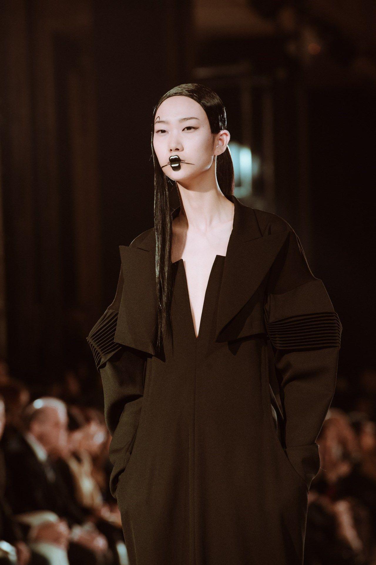 Yohji Yamamoto Aw16 Yohji Yamamoto Yamamoto Japanese Fashion Designers