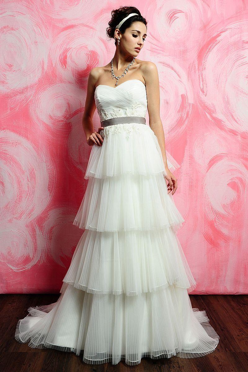 Pretty Wedding Dress | Wedding | Pinterest