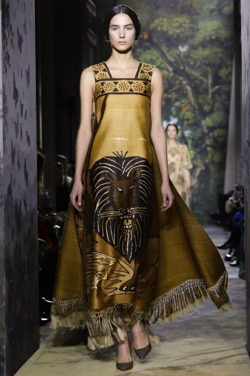 Valentino Haute Couture Spring Summer 2014 Paris - NOWFASHION