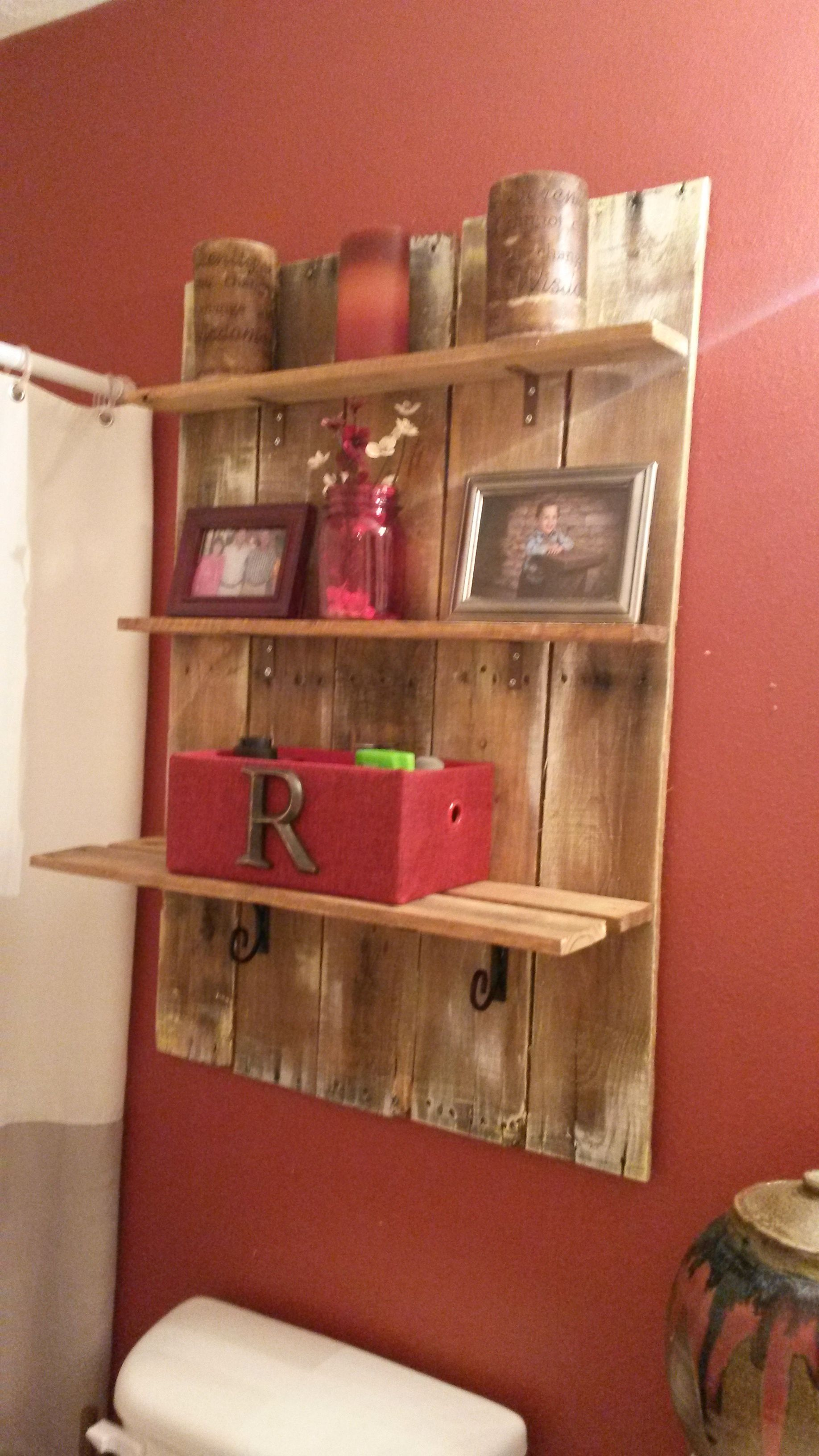my pallet shelf for over the toilet trash to treasure my redo 39 s my life pinterest rustic. Black Bedroom Furniture Sets. Home Design Ideas