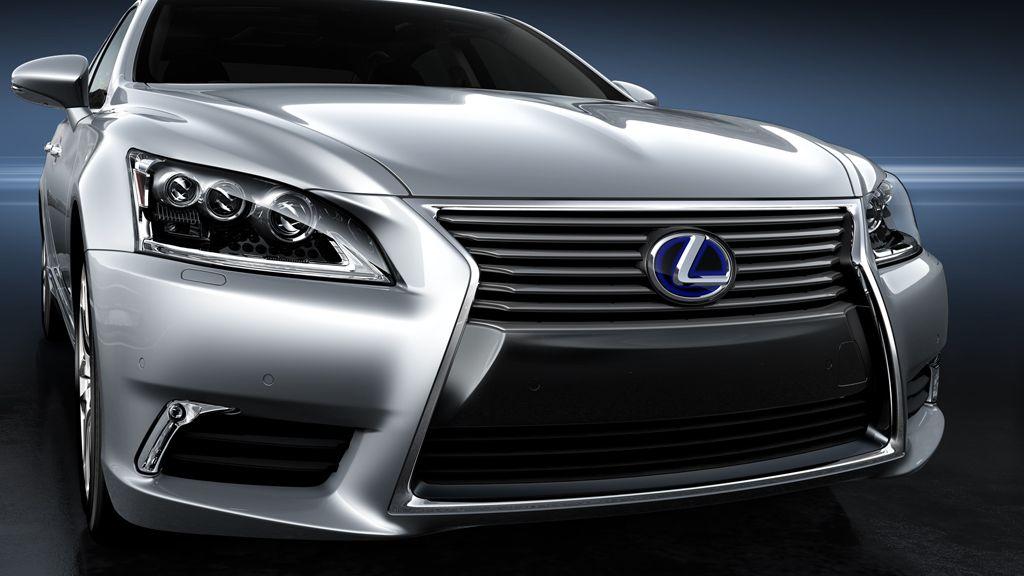LS 600h L — LSh shown in Liquid Platinum. Lexus ls