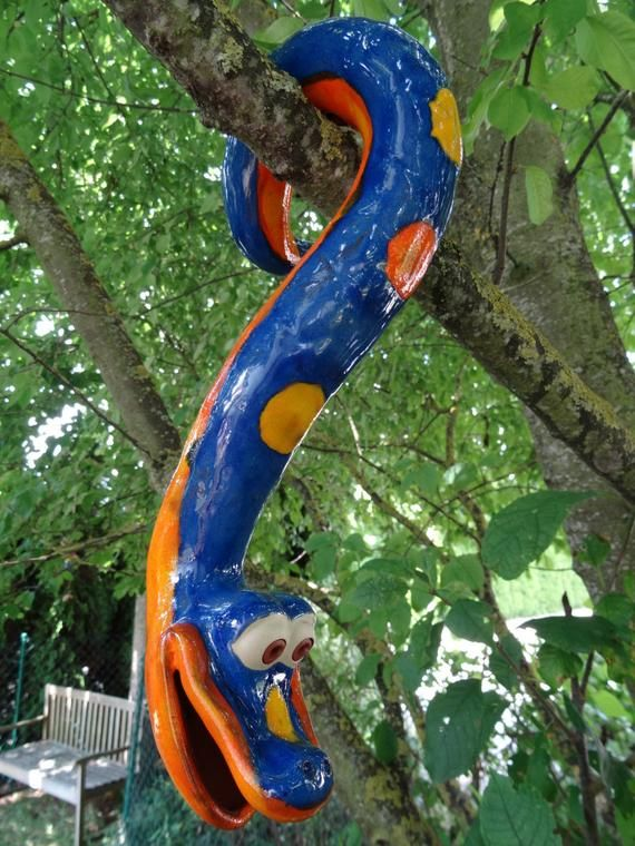 Tree snake made of ceramics, for hanging, frost proof, unique, blue, Gartendeko #eyeshaveit