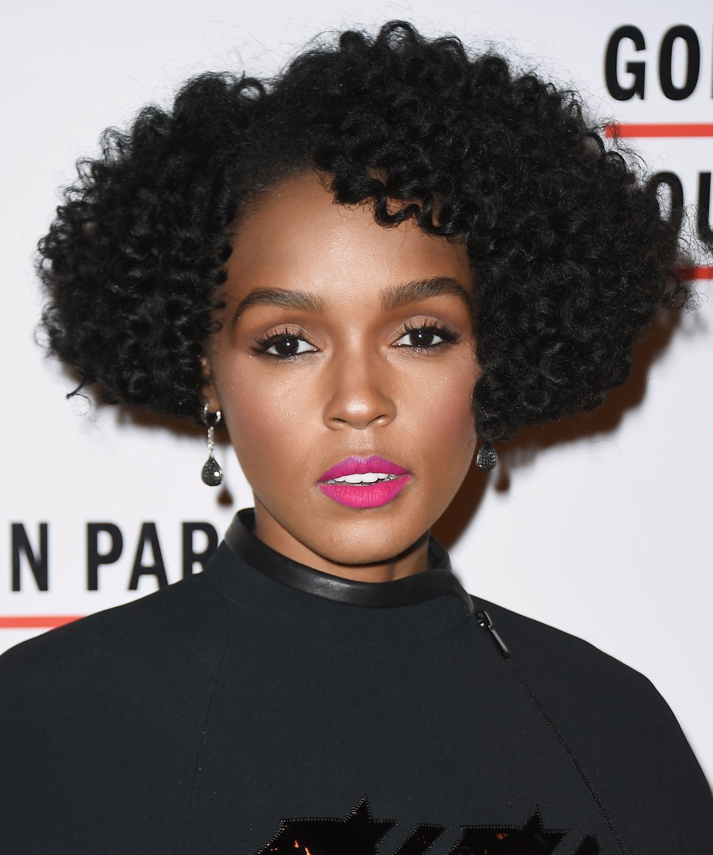 Nose piercing trends 2018  Everyone In Hollywood Is Getting This Cut u u Itus So Flattering