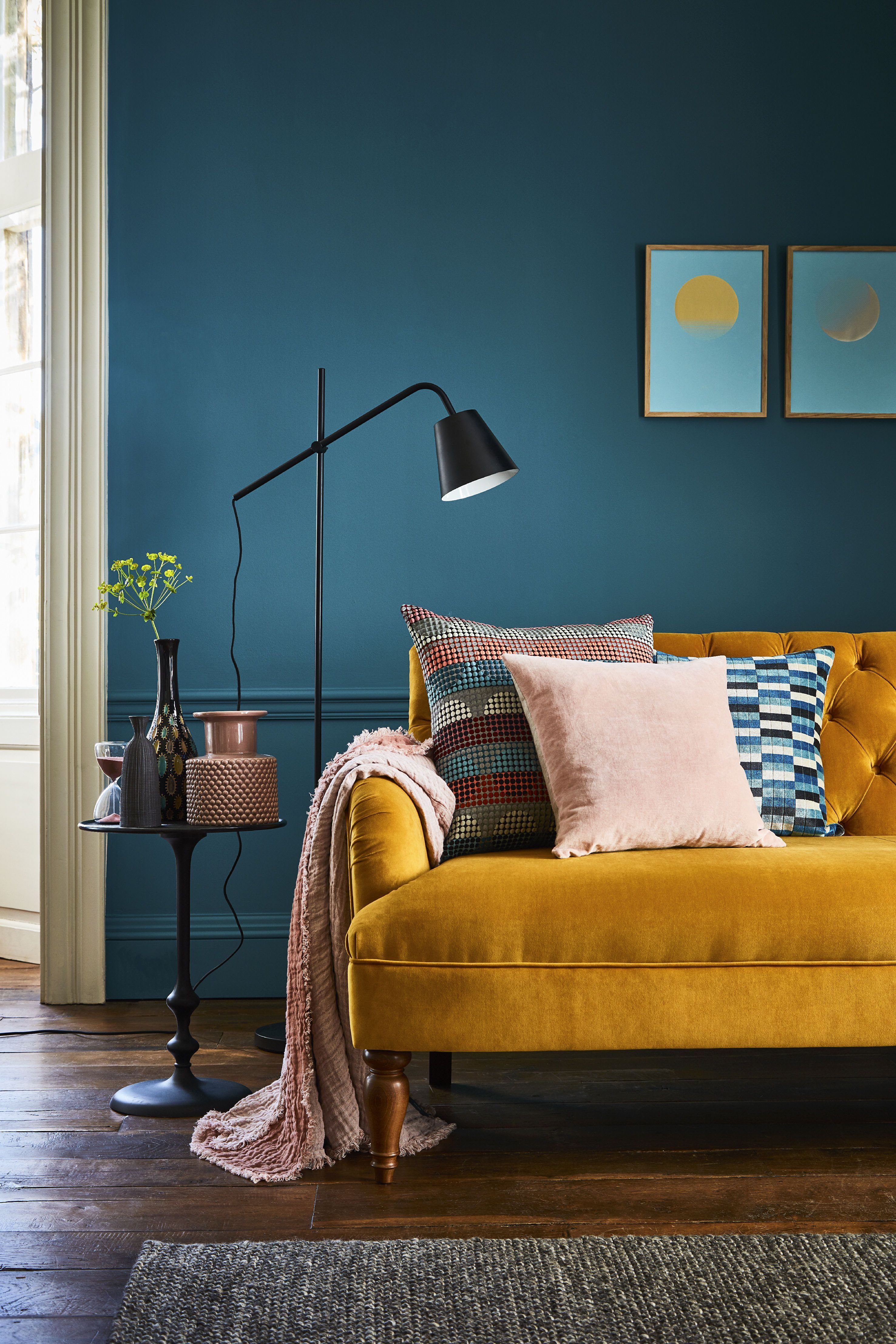 14 Small Living Room Design Ideas Livingroomdesigns Darker Shades Can Actually Disguise T In 2020 Living Room Design Colour Small Living Room Design Teal Living Rooms