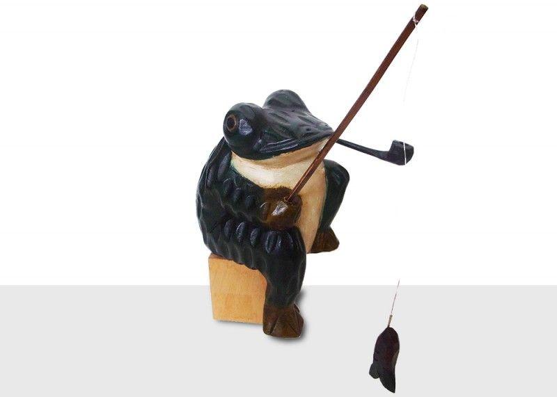 バリ雑貨手彫り木工置物 釣りパイプカエル