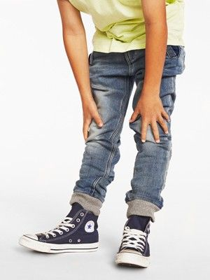Best combo ever, cuffed jeans with chucks