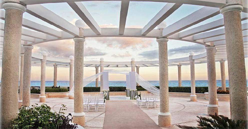 Beachfront Gazebo Sandos Cancun
