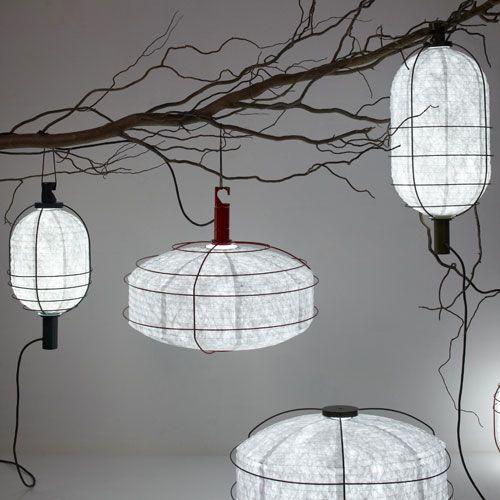 lampe baladeuse en m tal et tyvek in out forestier mm 265 euros chalet. Black Bedroom Furniture Sets. Home Design Ideas