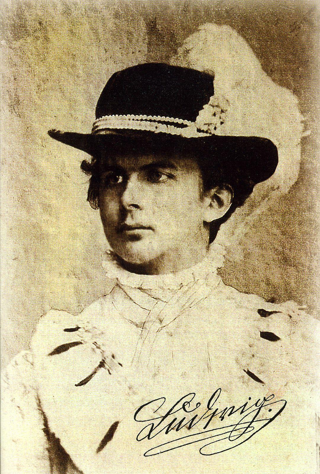 King Ludwig Ii Of Bavaria Https C2 Staticflickr Com 8 7178 6826233378 86c135a08a H Jpg Konig Von Bayern Bayern