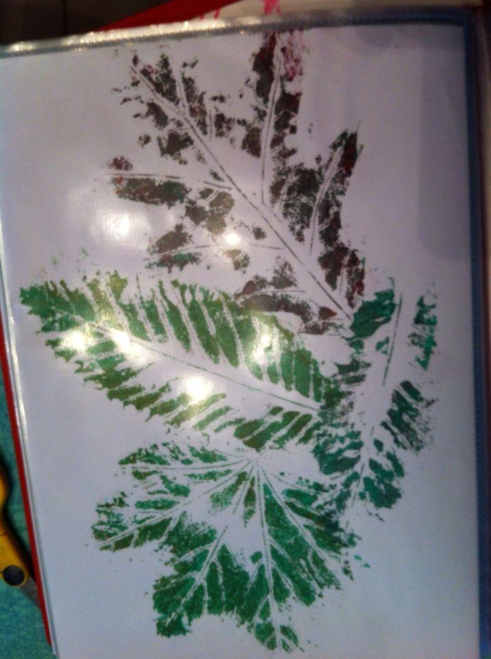 Les enfants adorent faire ces empreintes de feuilles , après la - Poser Papier A Peindre