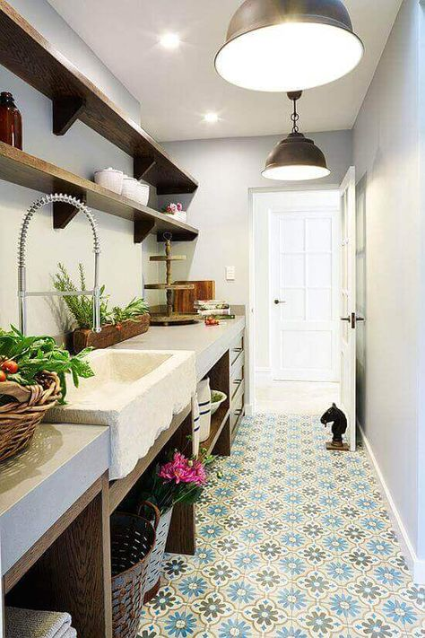 26+ trendy long narrow kitchen remodel butler pantry #longnarrowkitchen