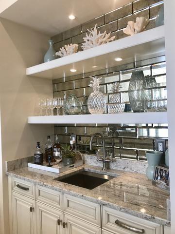 19++ Home bar with mirror backsplash inspirations