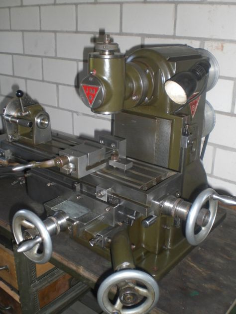 Universalfraesma 2 Fräsmaschine Restaurierung Metall