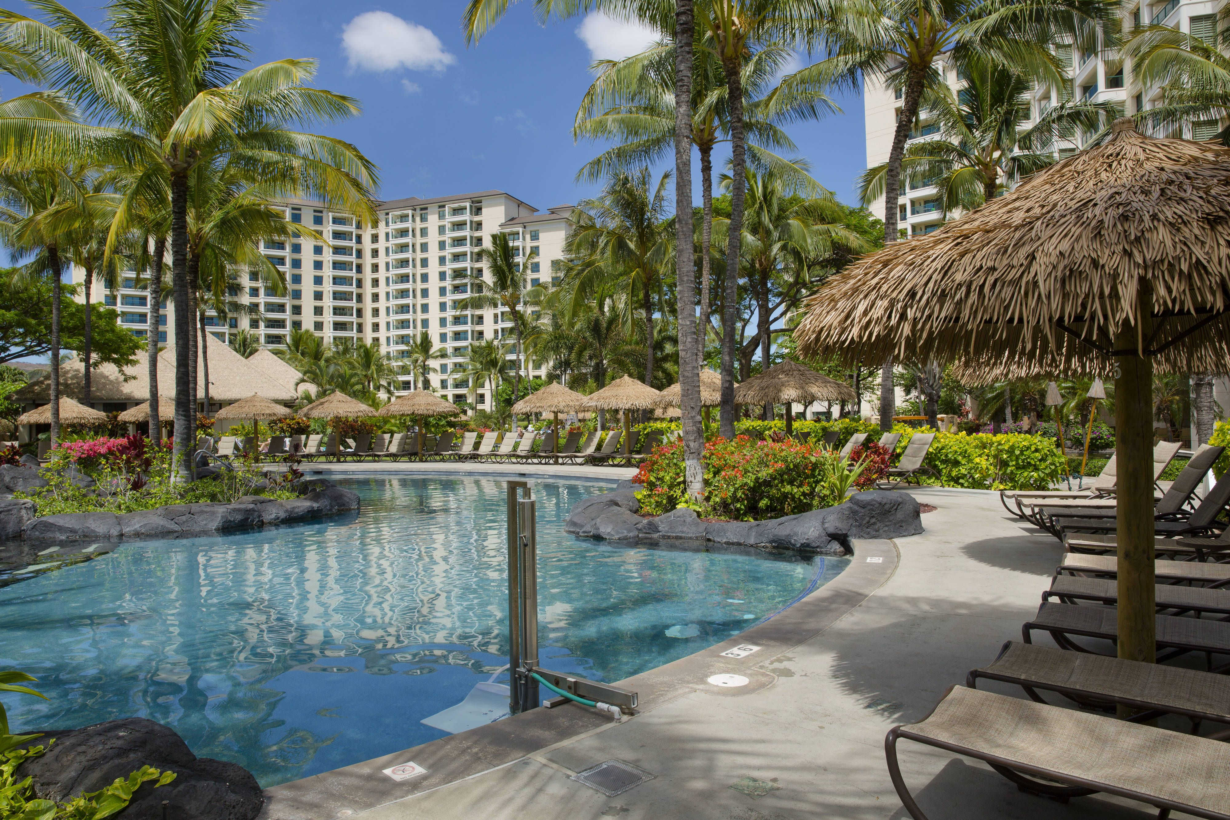 Marriott S Ko Olina Beach Club Quiet Reflections Pool Guestroom Guestroom Guestbathroom Vacation Resorts Marriott Resorts Resort