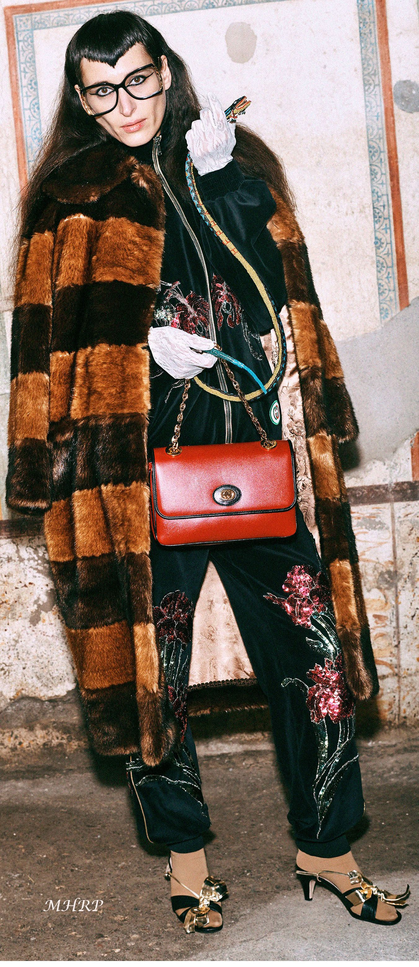 aace8f33384363 Gucci Pre-Fall 2019 Collection - Vogue | Gucci