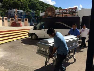 Campeche, Camp. ( www.piratasdecampeche.com/ Carlos Carvajal ) .- El Adiós a Chitopan, el jefe de la porra oficial de los Piratas de Campech...