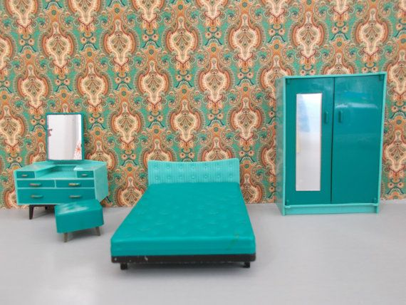 Vintage 1960s Triang Spot On Dolls House Bedroom Furniture Set (pre Jennys  Home) Comprising Of A Green Hard Plastic And Metal Base Double Bed,  Catalogue