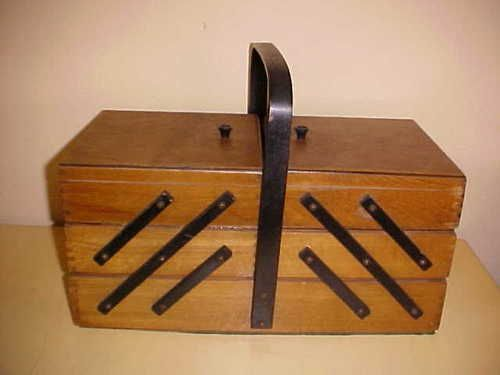 VINTAGE DANISH MODERN WOODEN SEWING CHEST BASKET BOX + THREADS, TOOLS++