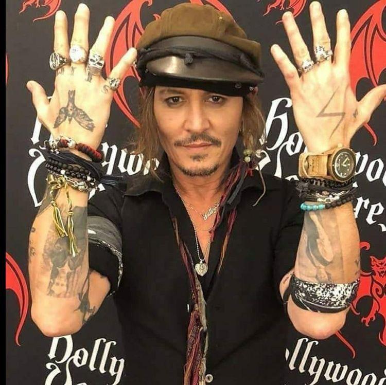 16++ Awesome Johnny depp winona tattoo removed image ideas