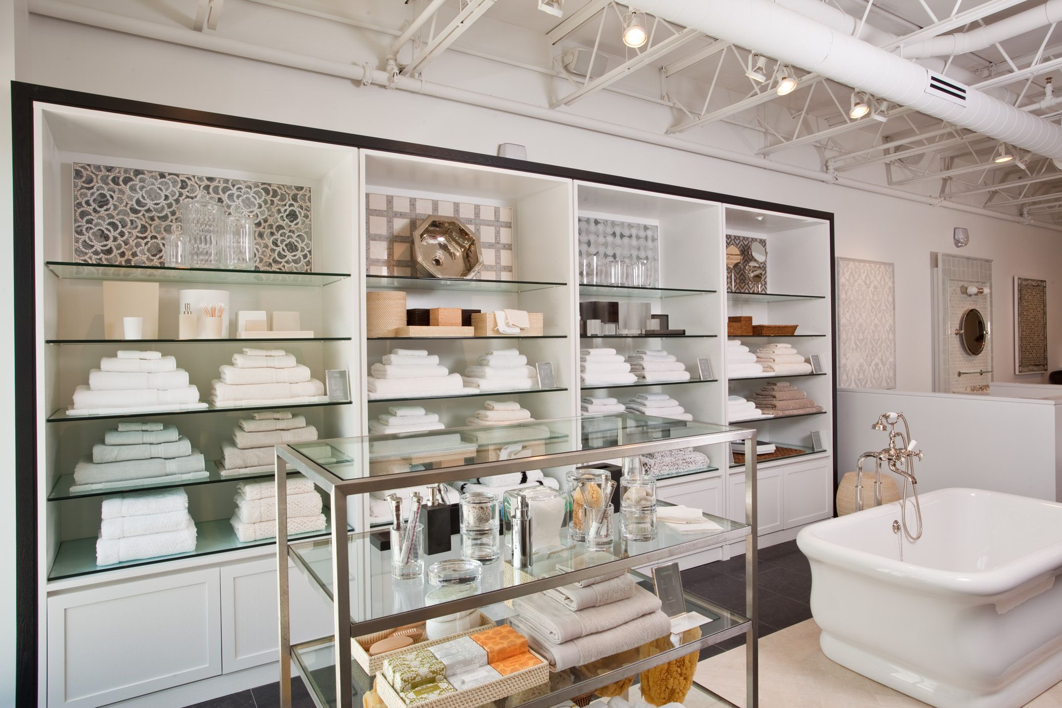 Waterworks Miami Showroom (With images) | Cafe shop design ...