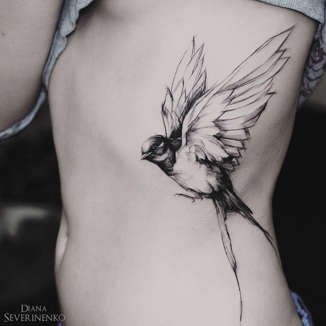 Tatouage hirondelle c tes encre noire tattoo pinterest hirondelle ribs et tatouages - Tatouage hirondelle femme ...