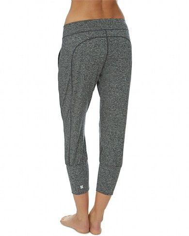 35ca148264 Sweaty Betty - Garudasana Yoga Capris - black | fantasy wardrobe ...