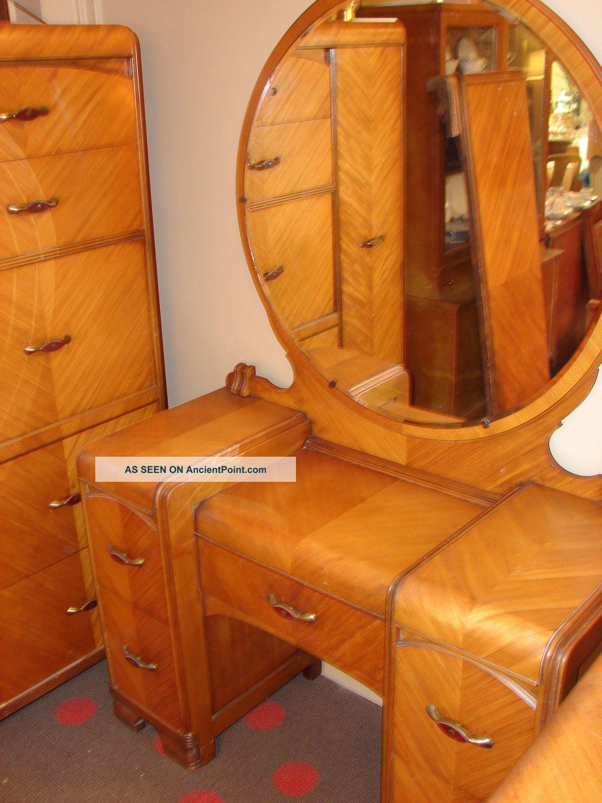 1930s Bedroom Furniture : 1930s, bedroom, furniture, Waterfall, Bedroom, Suite, Pieces, Antique, Bedroom,, Furniture,