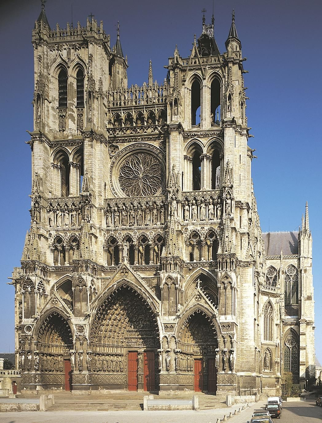 amiens cathedral is a roman catholic cathedral and seat of the bishop of amiens it is the. Black Bedroom Furniture Sets. Home Design Ideas