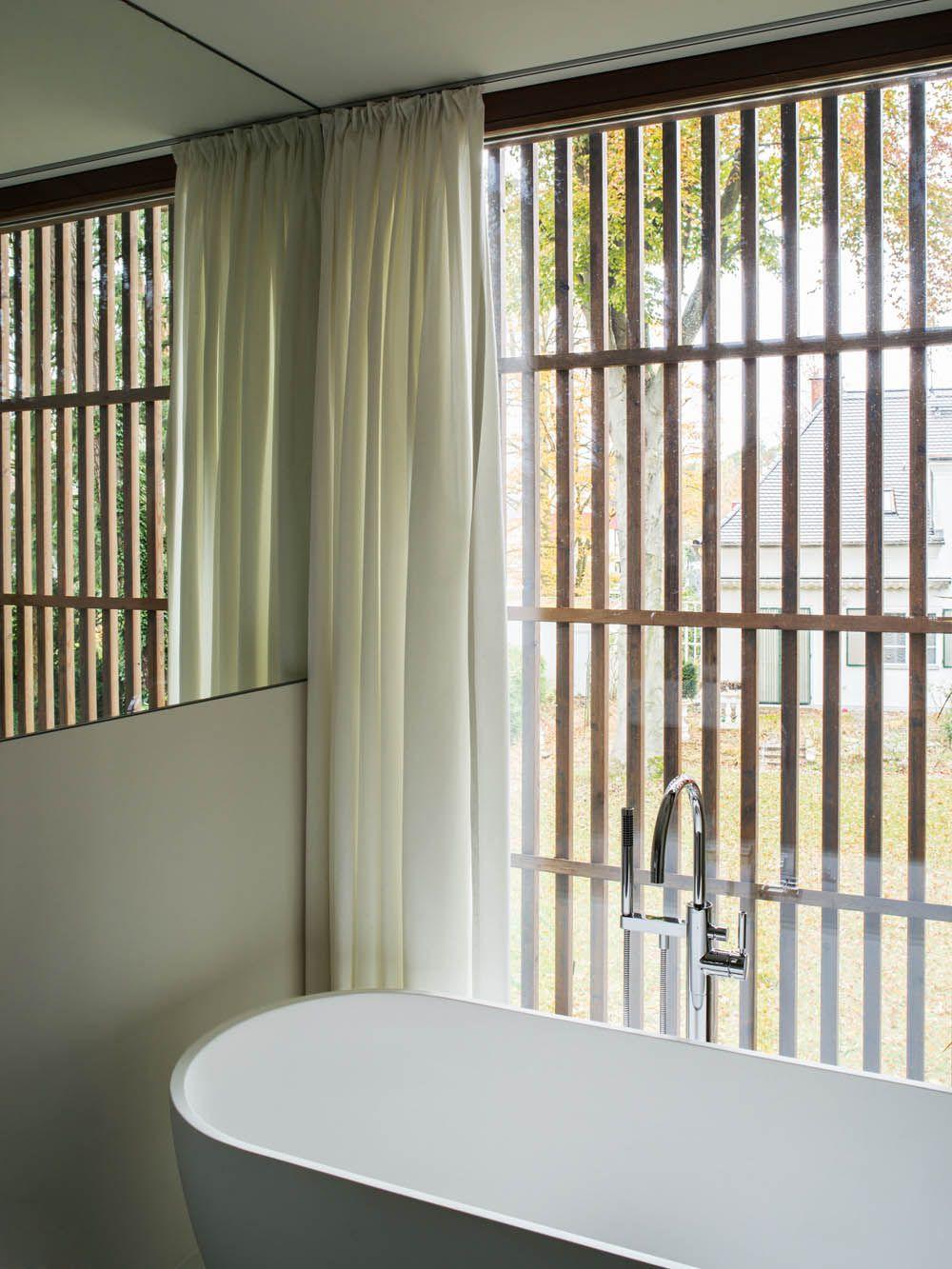Wohnen Auf Split Leveln Haus P In Berlin Von Bfs Design Innenarchitektur Architekt Low Budget Hauser