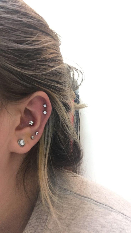 Mes piercings! Oreille droite avec nouveau piercing à la conque. – #conch #Ear #Piercing #Piercings   – Piercing ohr