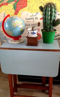 Small 1950s-60s Formica Gateleg Dining Table, Vintage tin Chad Valley Globe, Vintage wood/enamel coffee grinder & retro illuminated cactus lamp