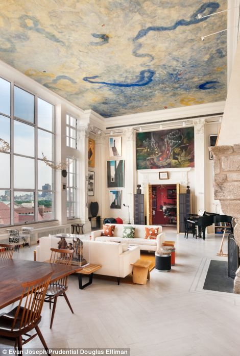 Amazing Upper West Side Nyc Living Room With Incredible Views