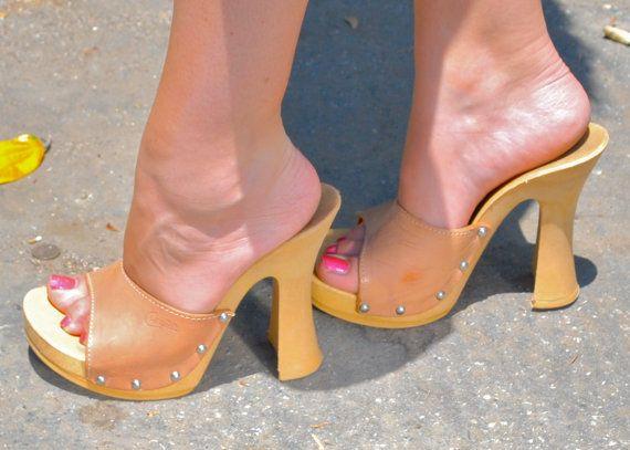 ausgewogen ich möchte Positionieren  High Heels Candie's Shoes Vintage 1970's Size 6 Tan Leather With Studs Made  in Italy Platforms HOT   Heels, Candies shoes, High heels