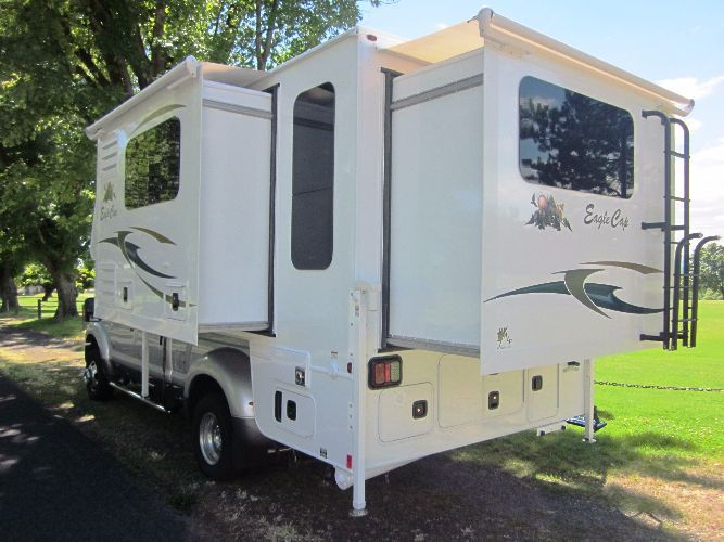 Eagle Cap Luxury Truck Camper Model 1160 Truck Camper Truck