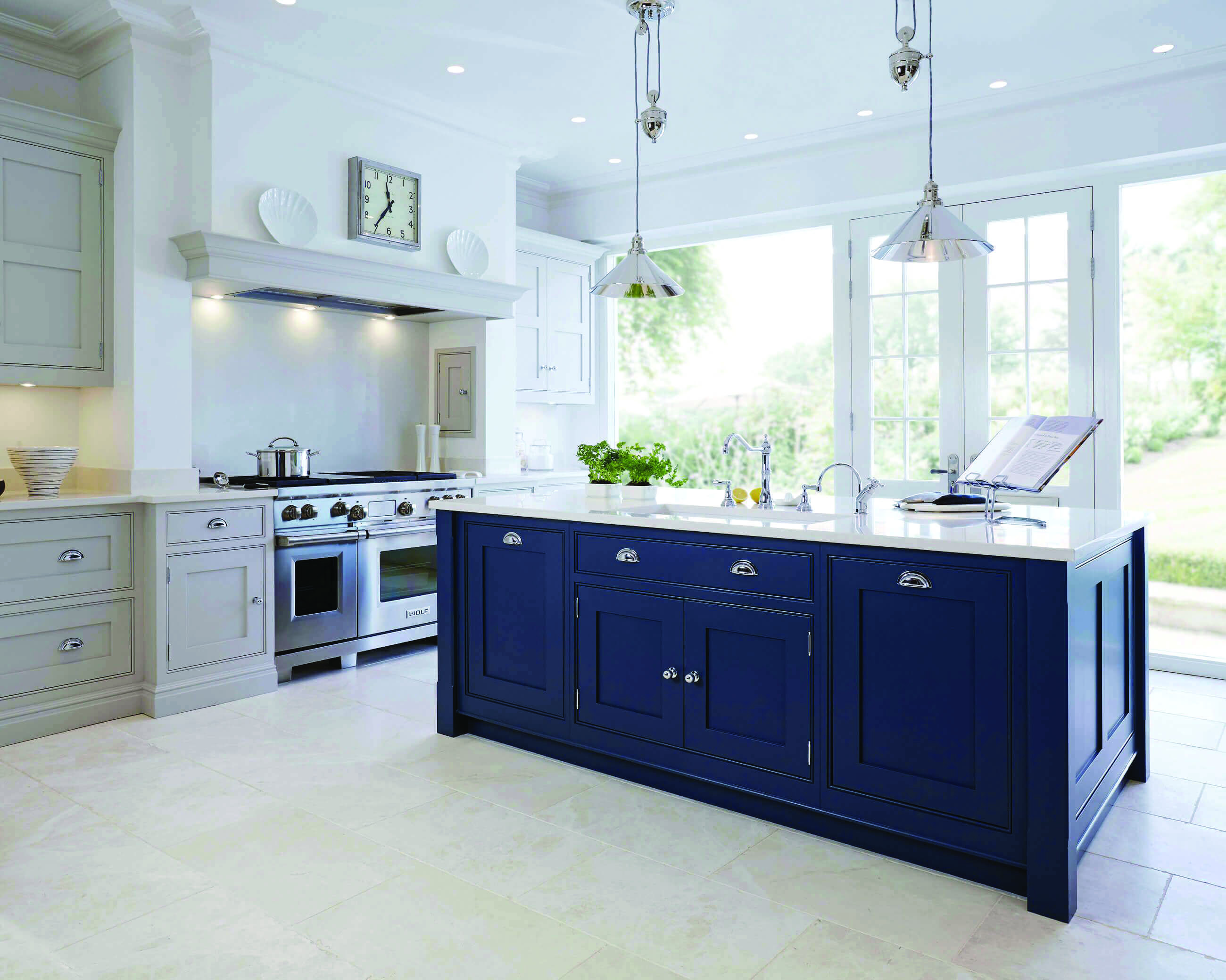 Leading Fad In Kitchen Cabinetry Style Homes Tre Blue Kitchen Cabinets Blue Gray Kitchen Cabinets Dark Blue Kitchen Cabinets