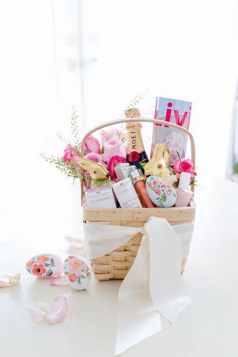 How To Easily Make Aesthetic Bathroom Gift Basket Designs Goodnewsarchitecture Easter Basket Diy Pretty Easter Baskets Homemade Easter Baskets