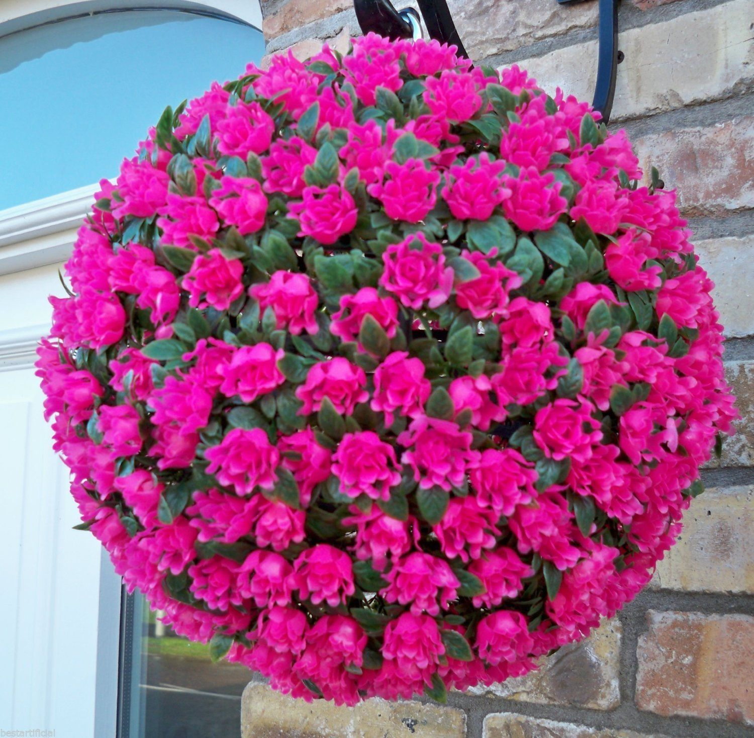 Using Hanging Flower Basket Ideas Is A Very Good Option If You Want To Make Your Home More Appealing Hanging Flower Baskets Artificial Hanging Baskets Plants For Hanging Baskets