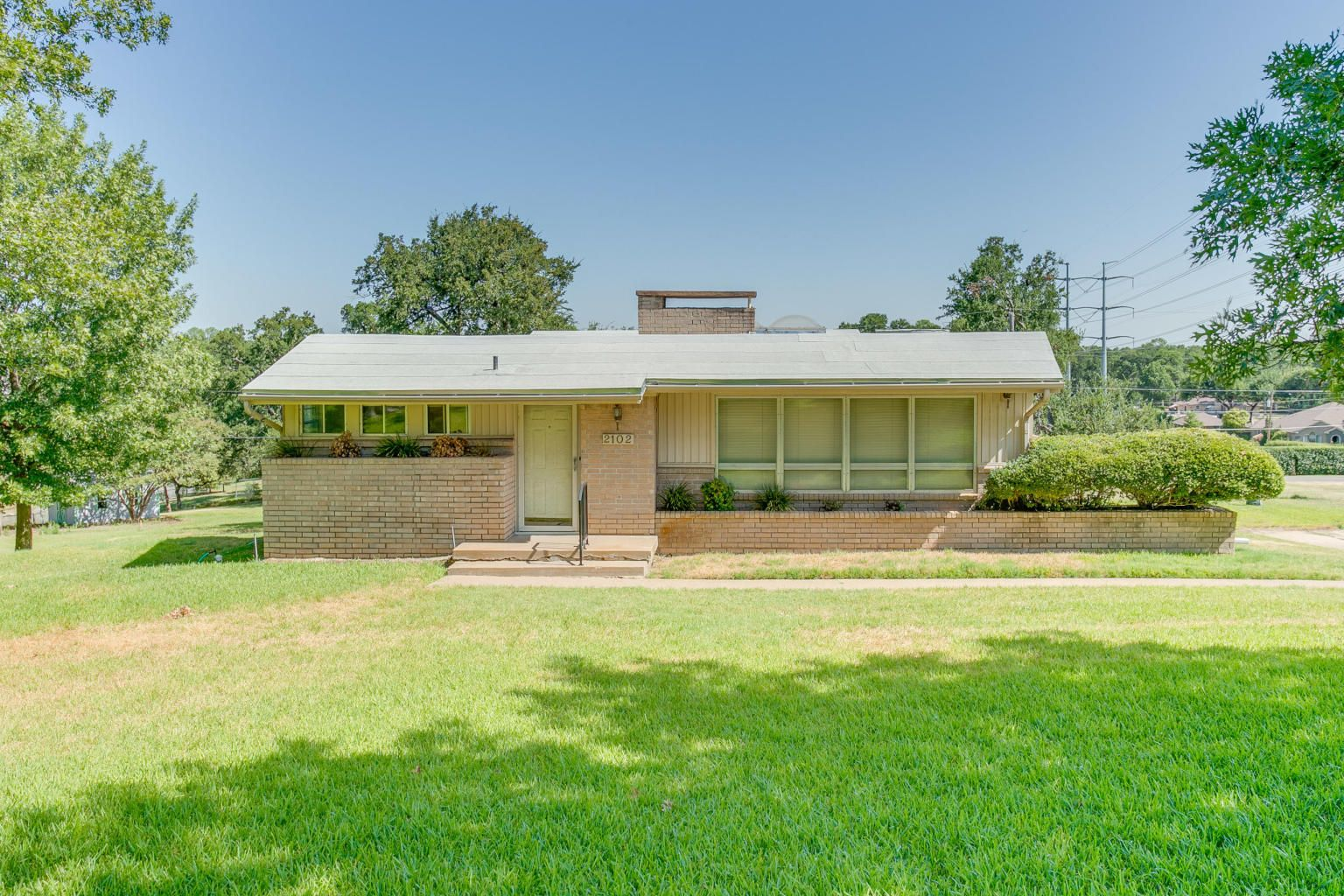 2102 rock creek grand prairie tx 156500 with images