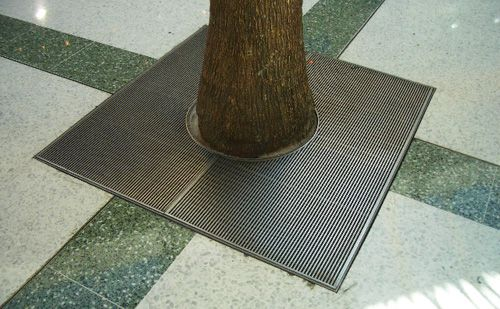 Stainless-Steel-Tree-Grate