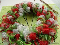 Photo of Basic Christmas Wreath Kit – Trendy Tree Blog | Holiday Decor Inspiration | Wreath tutorials | Christmas decorations | Mesh & ribbons
